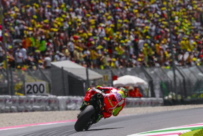 Andrea Iannone durante el Gran Premio de Italia en Mugello