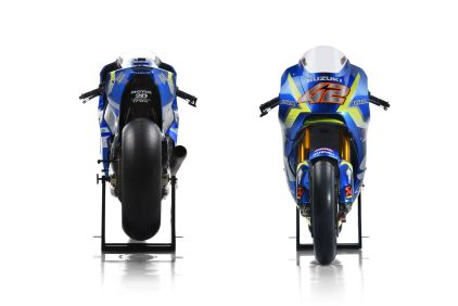 Suzuki_GSX-RR_2017_42_Front and Back
