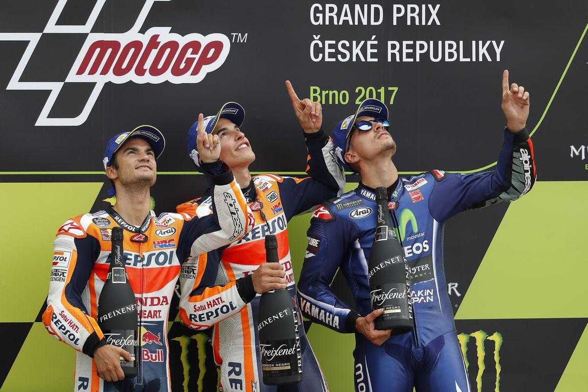 podium motogp brno