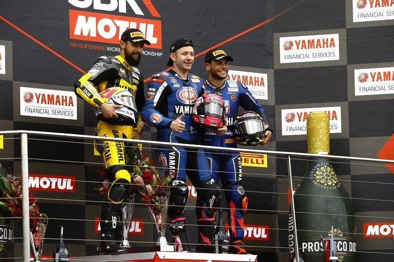Luchas Mahias, Randy Krummenacher y Sandro Cortese, podium de la carrera de Supersport en Phillip Island
