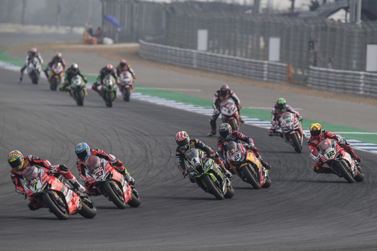 Carrera de Superbikes en Tailandia