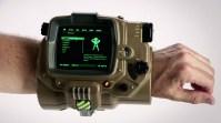 1434367286-fallout-4-pip-boy-replica
