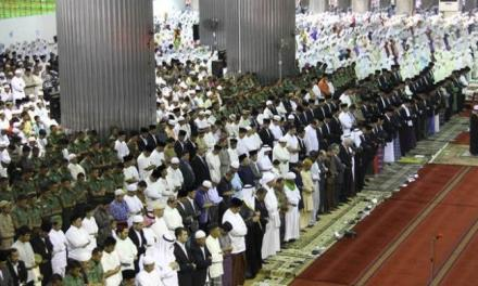Khutbah Idul Fitri 1 Syawal 1438 Hijriah
