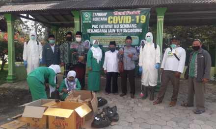 IAIN Tulungagung Kerjasama dengan MWC NU, Fatayat dan Banser Tulungagung Lakukan Penyemprotan Disinfektan dan Pembagian Hand Sanitizer