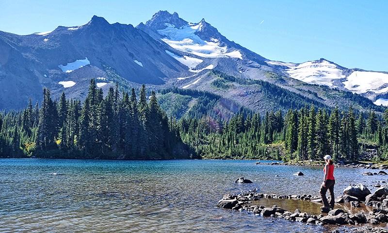 pct-pacific-crest-trail-mount-mt-jefferson-park-wilderness-scout-lake-hiker-hiking-oregon-pctoregon.com