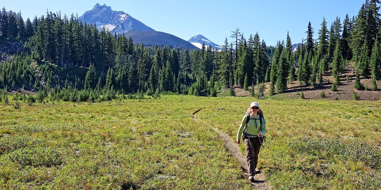 pct hiker trail three sisters