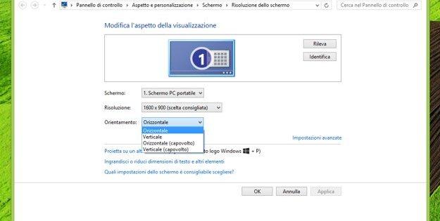 in questa immagine è presente la schermata di windows che permette di ruotare lo schermo del pc