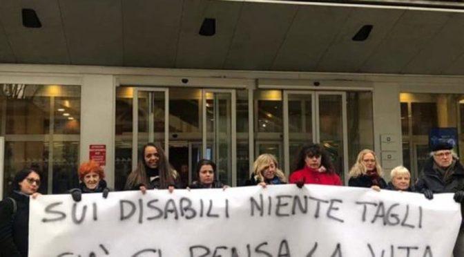 Disabili: sui tagli la Regione prende tempo