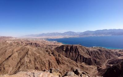 A view of Aqaba from Mount Tzefahot in Eilat.  Jordan plans to desalinate water here.