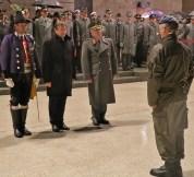 Der Kommandant der ausgerückten Truppe, Oberst Felix Resch, meldet den Beginn des Festaktes. ÖBH Vzlt Hörl