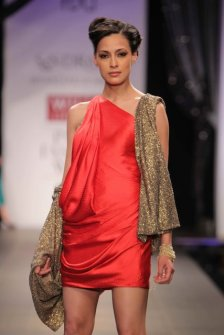 shantanu-and-nikhil-dress (2)