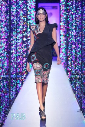 delhi-couture-week-2012-manish-arora8-001