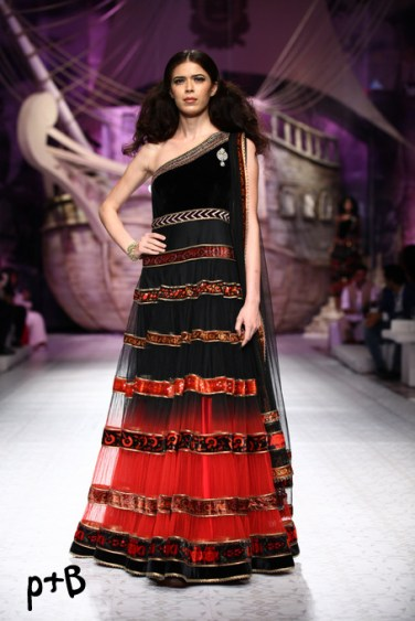 India-Bridal-Fashion_Week-2013-Bridal-Lehenga-JJ Vallaya (12)