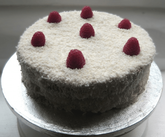 Sweet Coconut & Raspberry Cake