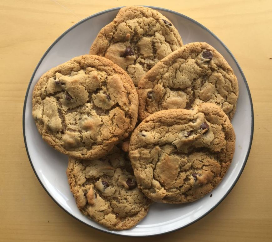 Cashew butter and honey chocolate chip cookies