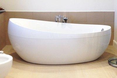 free-standing-bath
