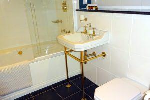 Bridge Cottage, Castleton, Peak District Holiday - Bathroom