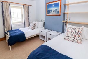 Ringwood, Dungworth, Peak District Holiday - Twin Bedroom