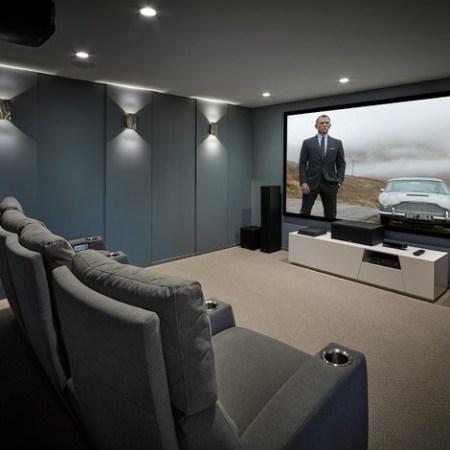 Home Theatre Projectors & Screens