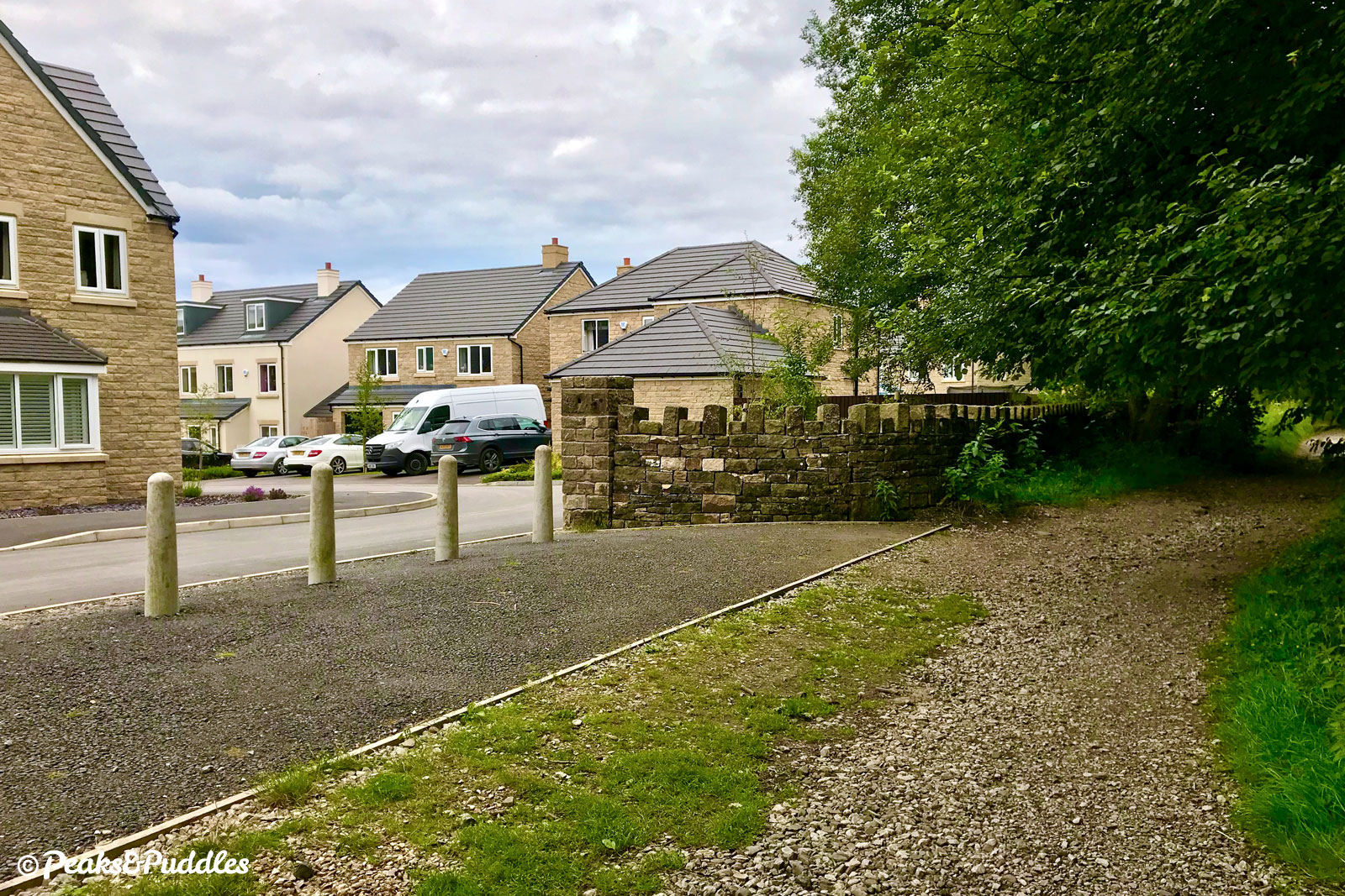 For the many new residents here, with superb access onto the trail, it could provide an easy, green route into the nearby major centre of Chapel-en-le-Frith.