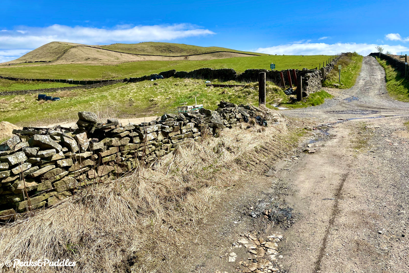 (Bridleway option) Nearing Mount Famine, the bridleway is met by the Pennine Bridleway from two directions.