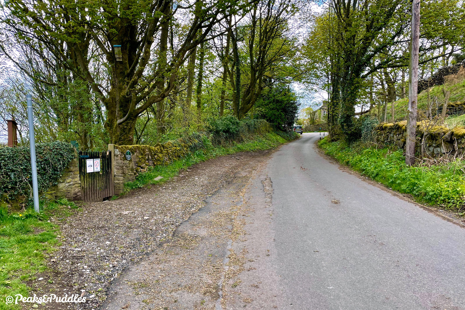 Stubbins Lane has some of Chinley's oldest houses, built long before its railways and other industry.