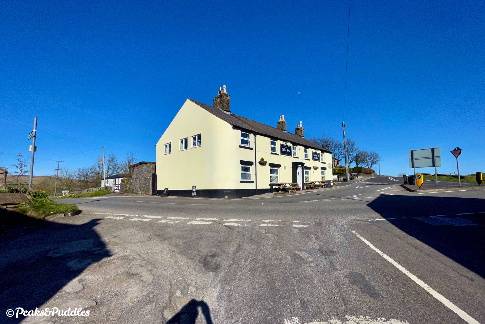 Approaching the A623 junction opposite the pub formerly known as the Wanted Inn. Turn left, avoiding the A623 entirely.