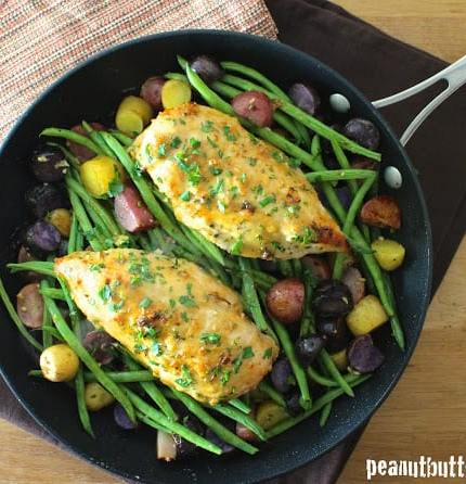 Skillet Honey Garlic Chicken with Fingerling Potatoes and Green Beans