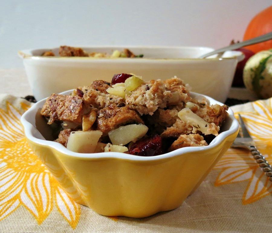 apple walnut sage stuffing 026a