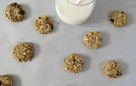 Cinnamon and Raisin Granola Cookies