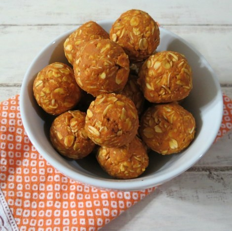 Peanut Butter Pumpkin Dog Balls