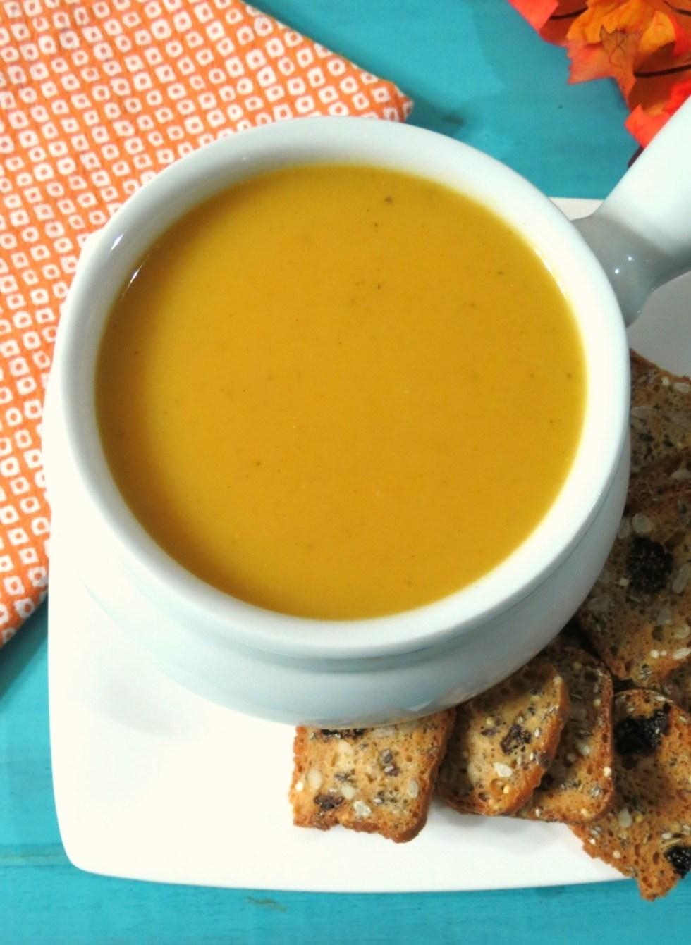 Creamy Butternut Squash Soup (Vegan)