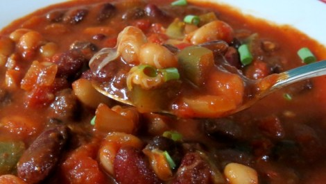 Three Bean Vegetarian Chili | Peanut Butter and Peppers