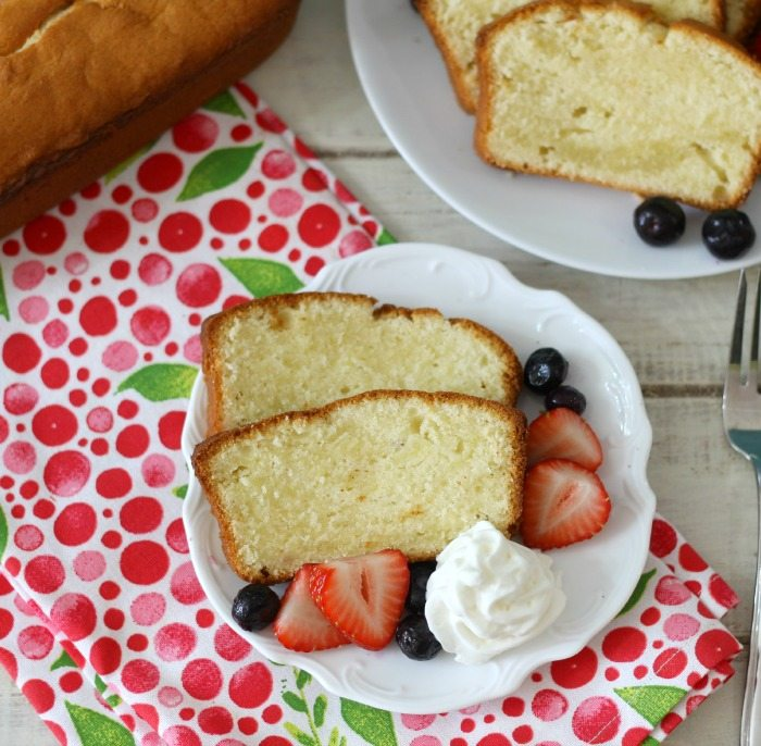Vanilla Pound Cake with Fresh Berries  #SundaySupper