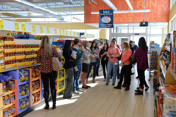 ALDI Hosts Blogger Tour of Geneva, Illinois Store