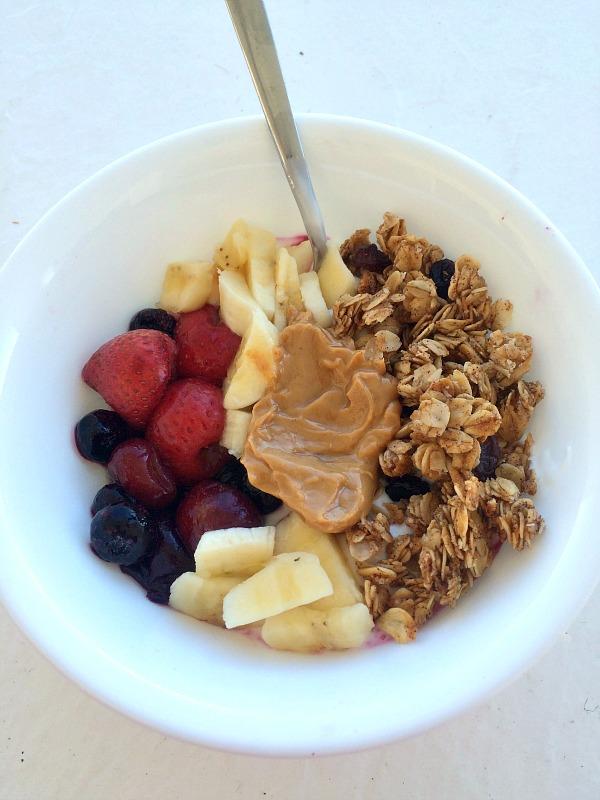 10.30breakfastyogurt