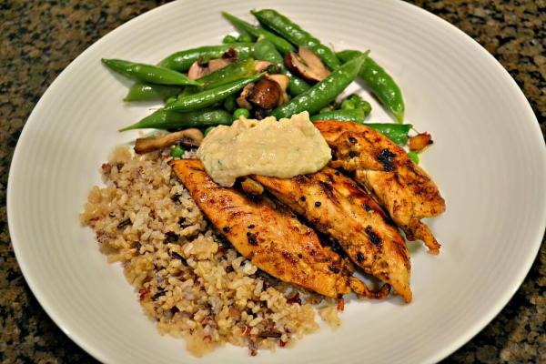 Sauteed chicken tenders with peas, mushrooms and sprouted grain imx