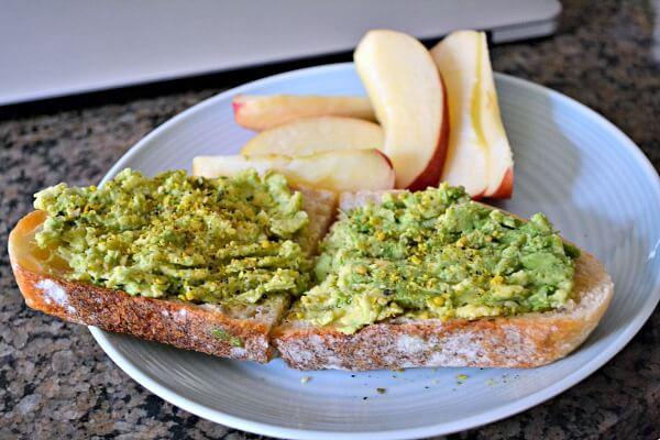 Avocado toast with be Runa seed salt