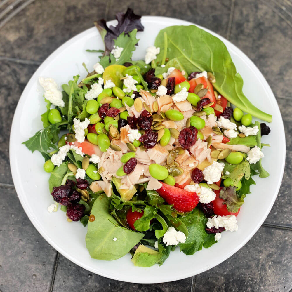 salad with turkey, strawberries and edamame