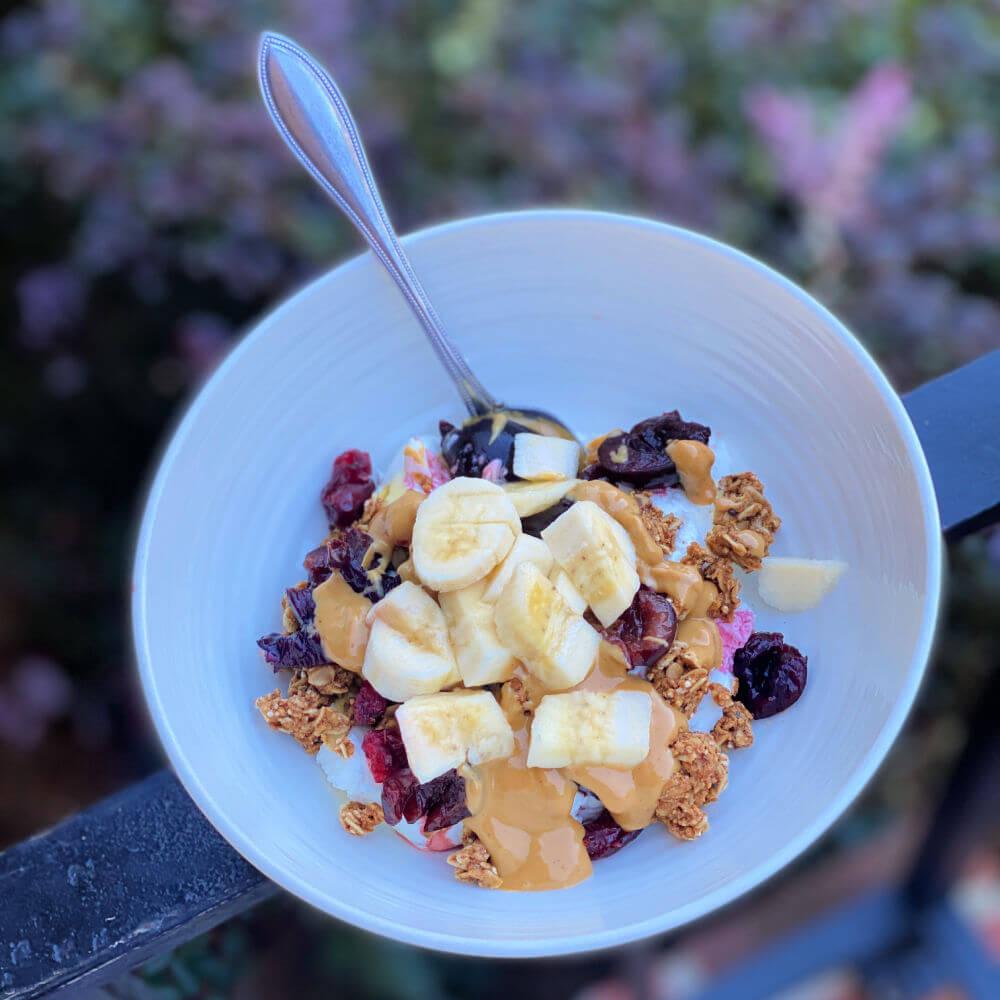 yogurt, fruit and granola bowl