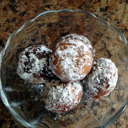 Powdered Donut Holes