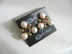 Clip On Maja Red Earrings