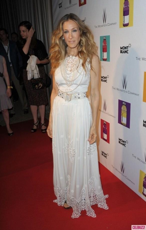Sarah-Jessica-Parker-Cannes-White-9-653x1024