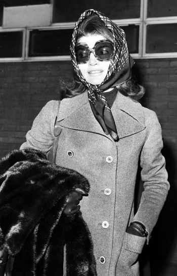 jackie kennedy scarf and sunglasses