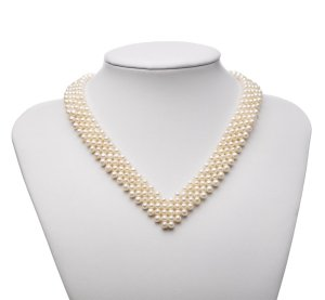 pearl necklace for Christmas outfit