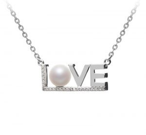 love pearl necklace gift