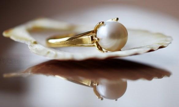 chandelier pearl earrings