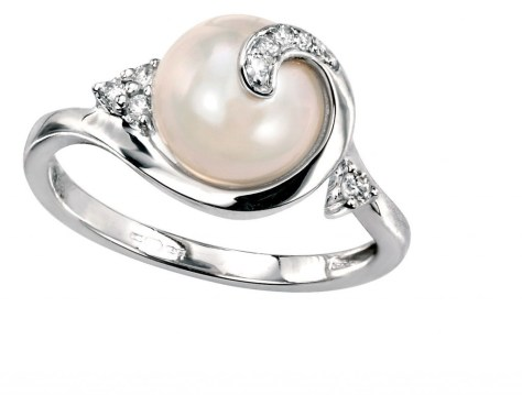 pearl ring set in silver
