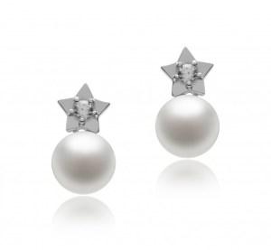 white pearl earings
