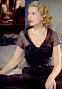 grace kelly wearing pearls